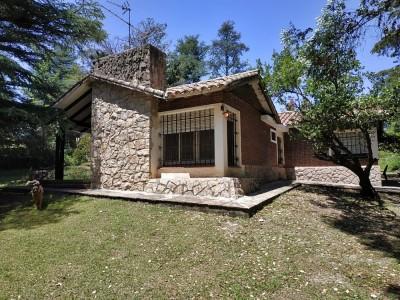 Hermosa propiedad antigua en Tala Huasi 100 mts del río.